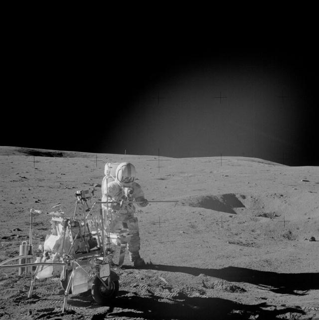 Voir les Moon Rocks ramenées sur Terre par Apollo 14 As14-610