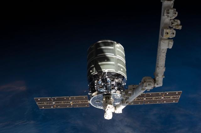 [ISS] La NASA sélectionne SpaceX, Orbital ATK et Sierra Nevada pour le ravitaillement de l'ISS (CRS-2) Cygnus14