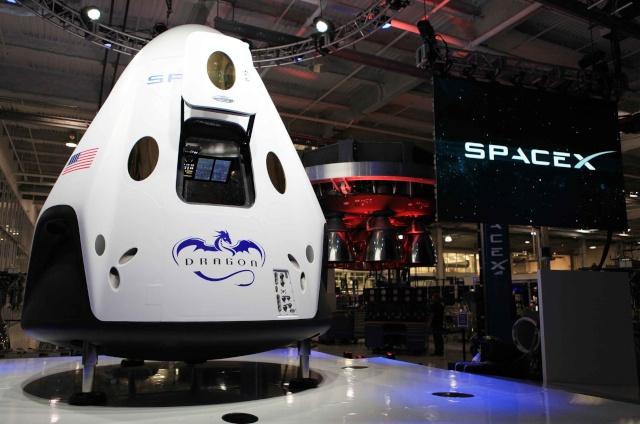 Commande d'une première mission habitée par la NASA à SpaceX et sa capsule Dragon Dragon11