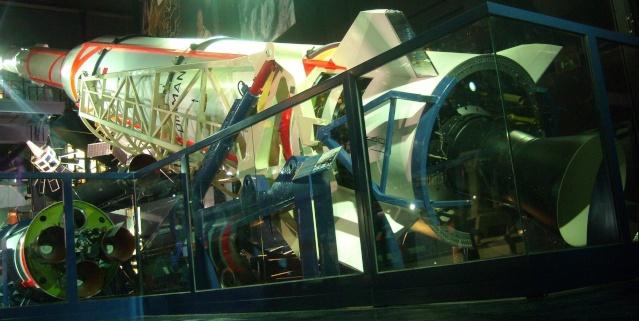 Le Diamant A et le satellite A1 Astérix du Musée de l'Air et de l'Espace au Bourget Fusee_10