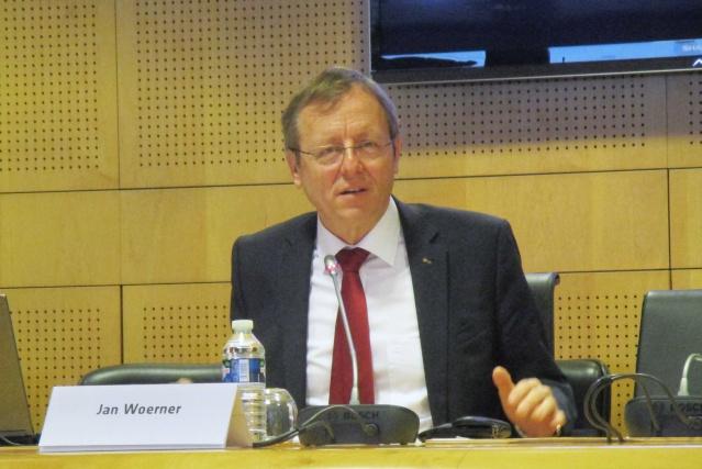 [ESA] Conférence presse début d'année du Directeur Général Jan Wörner Img_5910