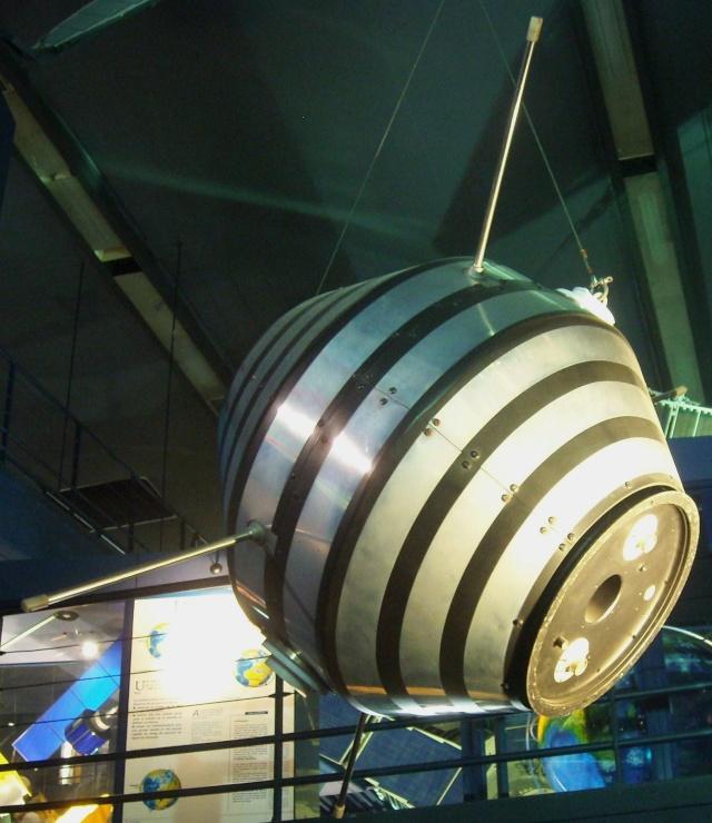 Le Diamant A et le satellite A1 Astérix du Musée de l'Air et de l'Espace au Bourget Satell10
