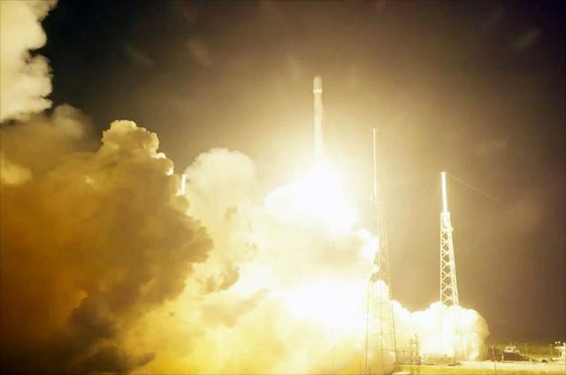 SpaceX - Test de retour réussi pour 1er Etage F9 / Lancement ORBCOMM 2 Spacex11