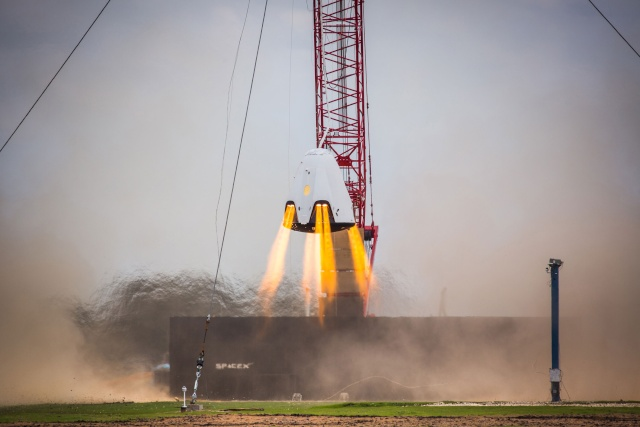 SpaceX Dragon 2 / Test de propulsion - Propulsive Hover Test Spacex15
