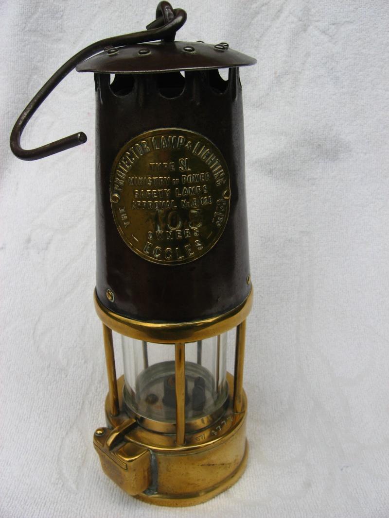 lampes de mineurs,  divers objets de mine, outils de mineur et documents  - Page 2 00416