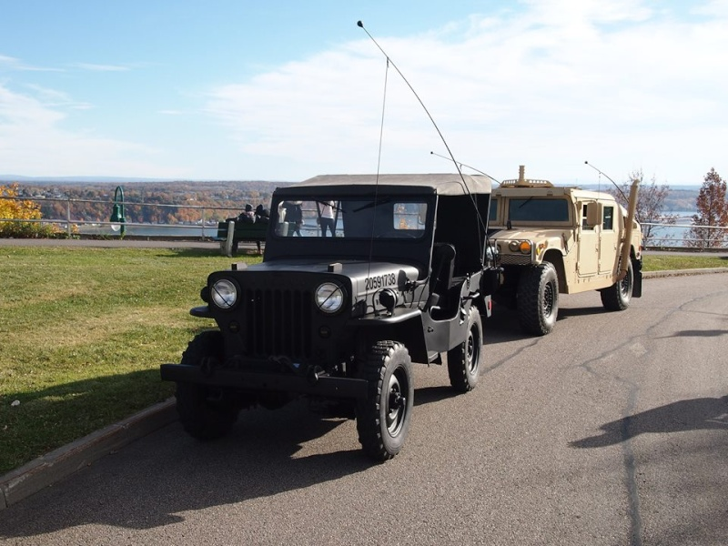 M1045 A2 and 1954 Willys à Small Quebec chez VAT  17799610