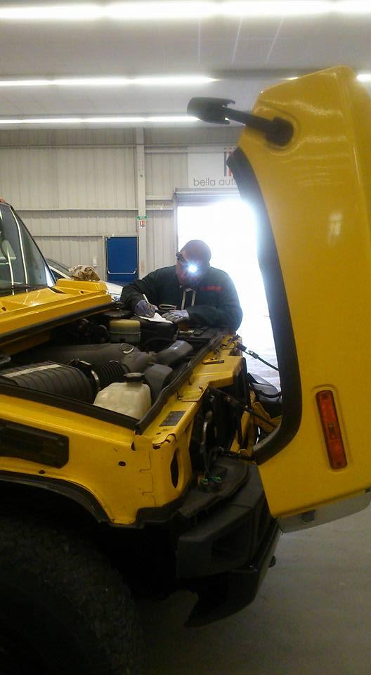 Consulter nous pour tout projet d'achat de Hummer avec le service de check-up du Club Hummerbox  5347_110
