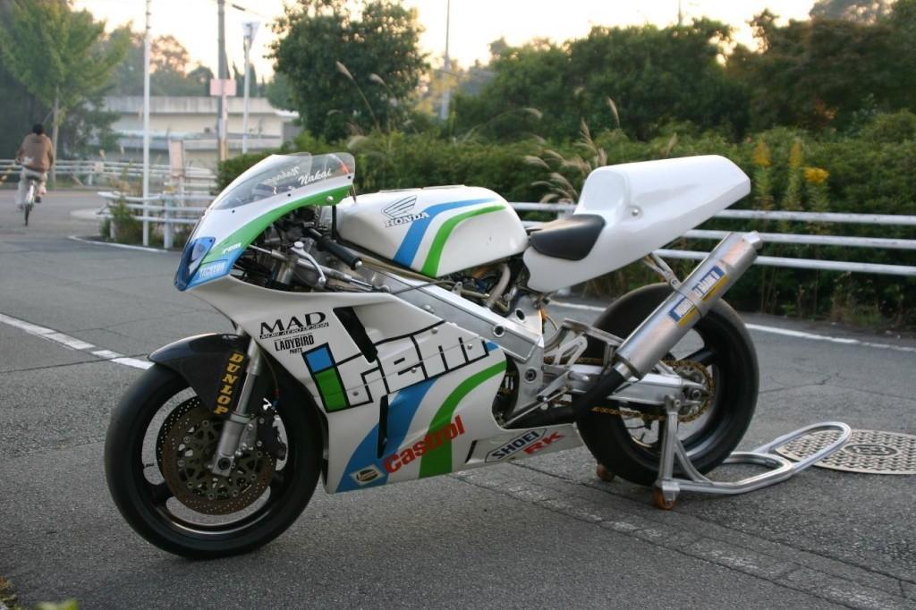 Honda RC 30 - Page 6 9249b310