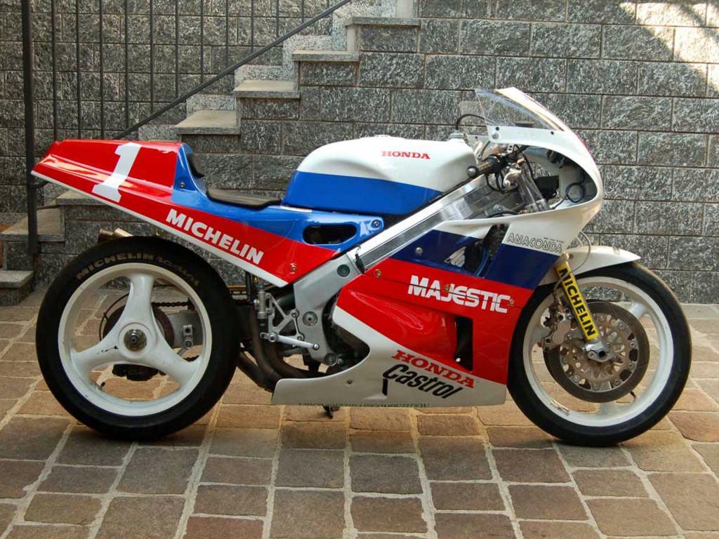 Honda RC 30 - Page 6 Honda-22