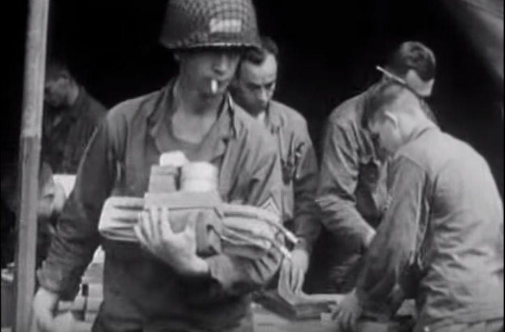 Les Images de la Seconde Guerre Mondiale - Page 16 10662710