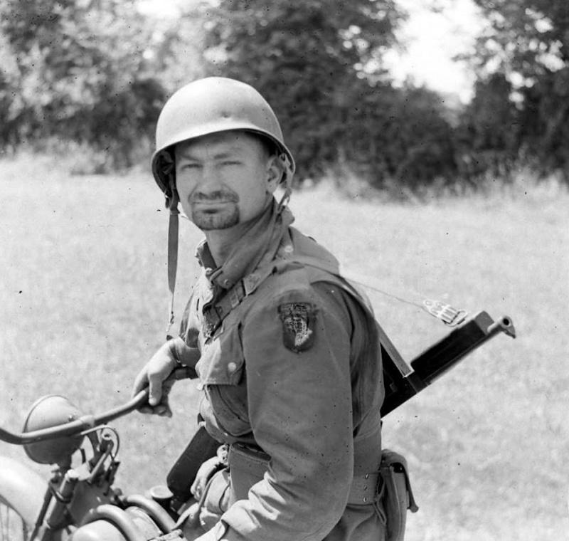Les Images de la Seconde Guerre Mondiale - Page 16 12631410