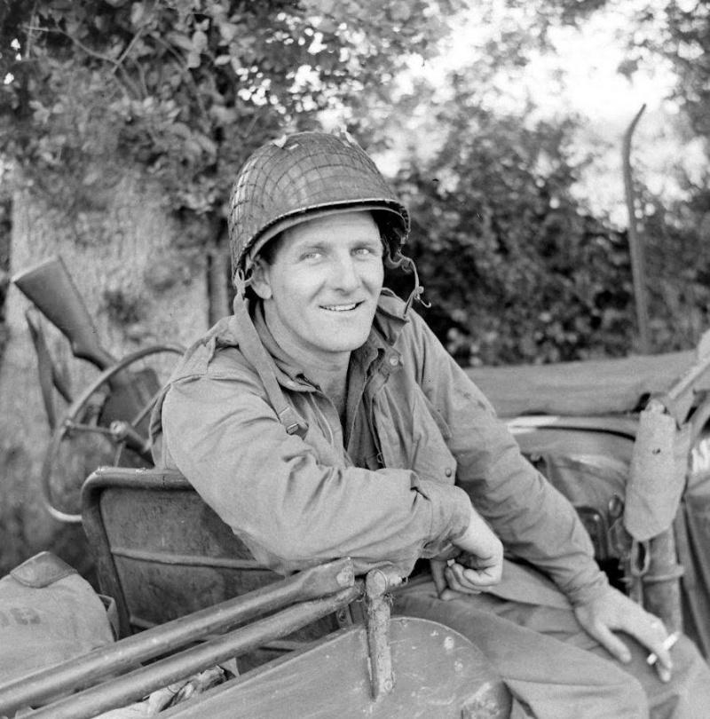 Les Images de la Seconde Guerre Mondiale - Page 16 12646910