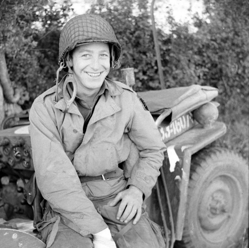 Les Images de la Seconde Guerre Mondiale - Page 16 M4110