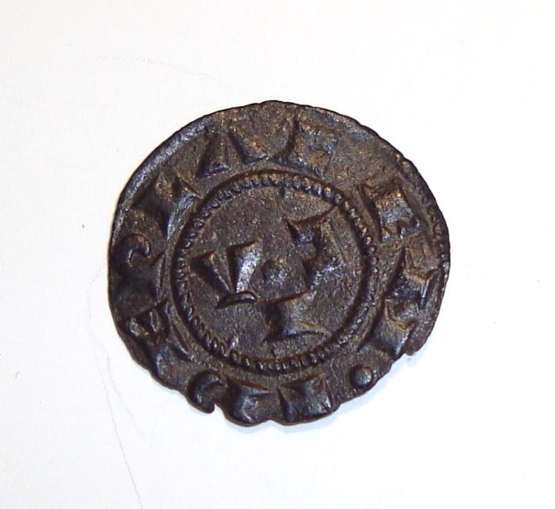 Médiévale à identifier, SVP ! 00610