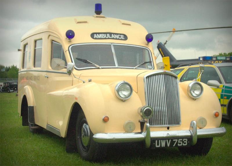Ambulances et autres Ambula12