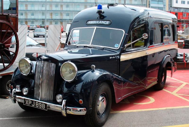 Ambulances et autres Ambula13