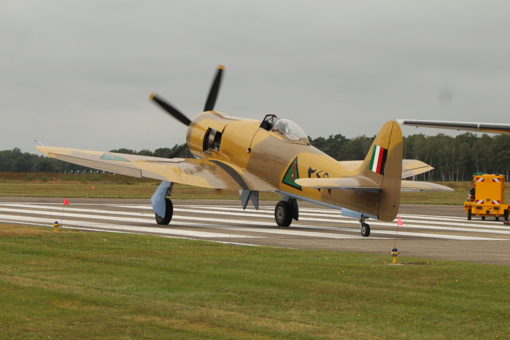 P-38 Little Buckaroo Minicraft 1/48e  - Page 6 Img_4411