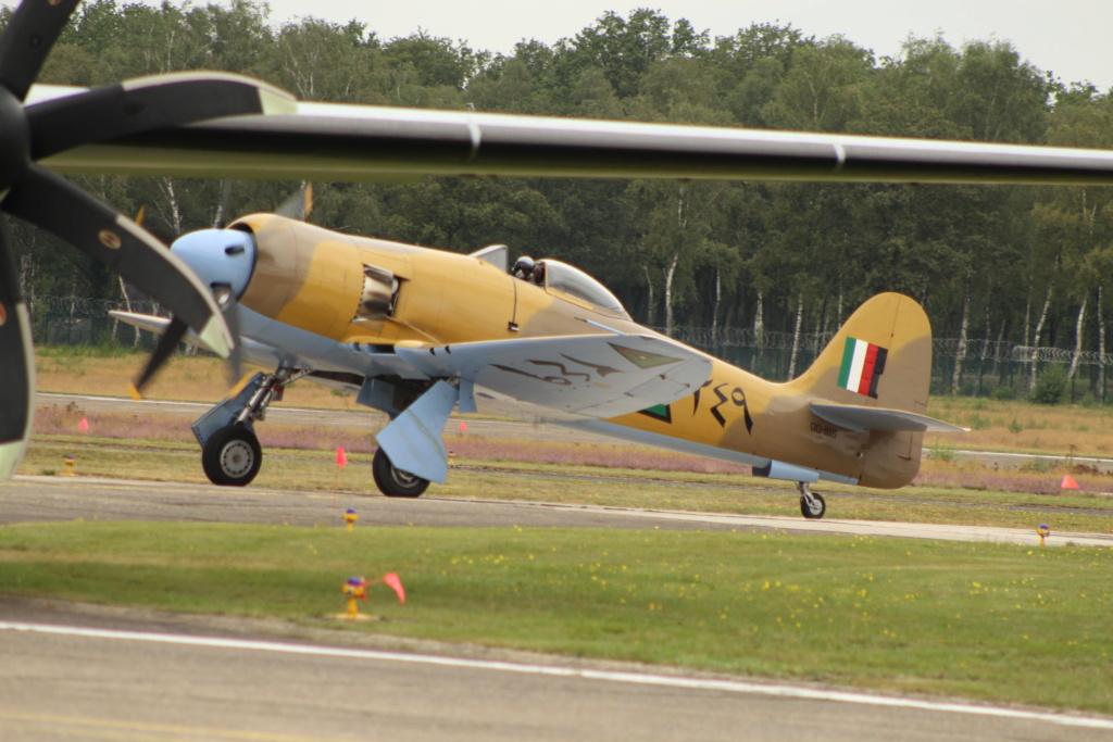 P-38 Little Buckaroo Minicraft 1/48e  - Page 6 Img_4510