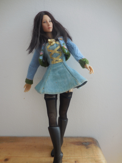 La dernière poupée de ma collection, l'étrange poupée Kumik.  Dscn0010