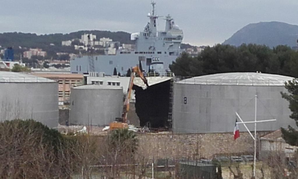 [Les Ports Militaires de Métropole] Visite de la rade de Toulon - Page 7 27411