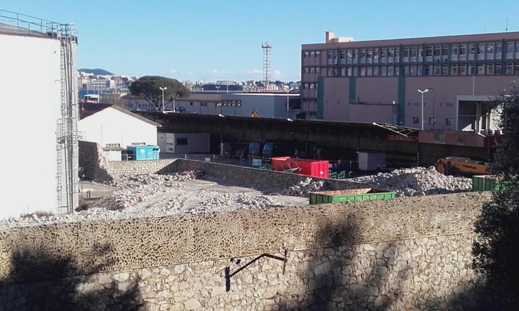[Les Ports Militaires de Métropole] Visite de la rade de Toulon - Page 7 30010