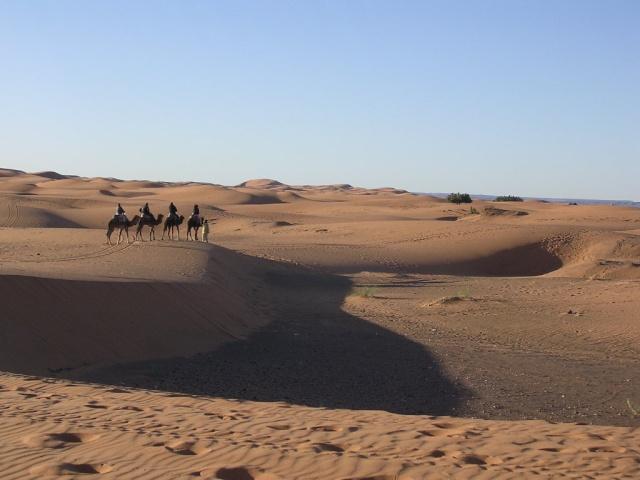 A Merzouga : Choix du camping et la bonne balade dans le desert 42_car10