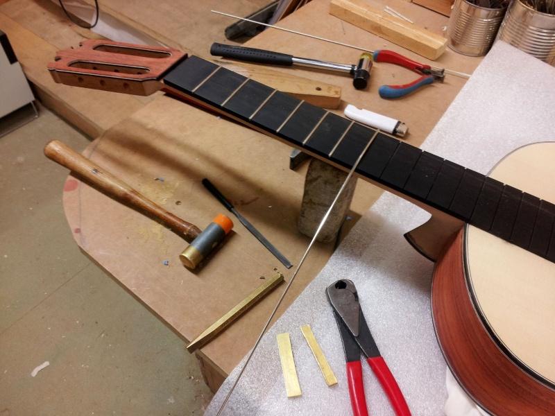 Construire sa guitare ... et plus si affinités avec le travail du bois 20151210