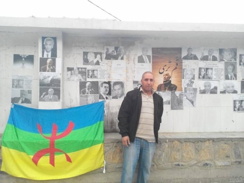 La population d'Aokas rend hommage à feu Hocine Ait Ahmed - Page 3 140