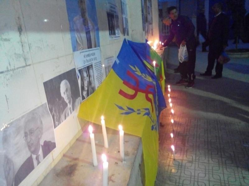 La population d'Aokas rend hommage à feu Hocine Ait Ahmed - Page 3 154