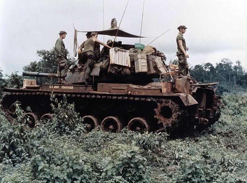Le M-48 Patton (blindé du V-N) 800px-10