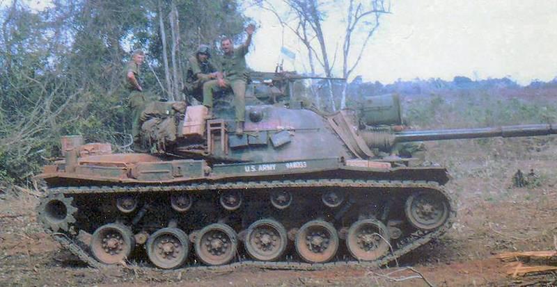 Le M-48 Patton (blindé du V-N) M48a3a10