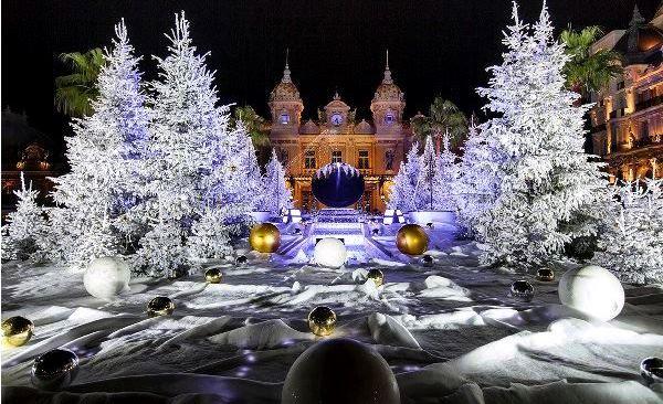 Préparons Noël : récitals de Noël et cadeaux inavouables - Page 2 Monaco11