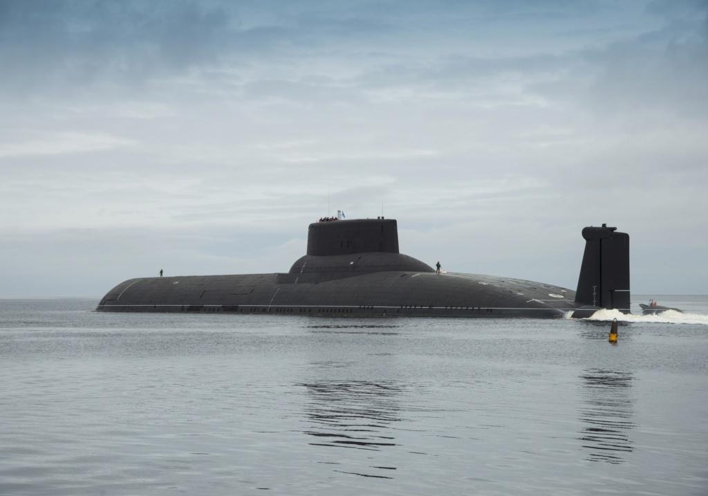 Typhoon class SSBNs future: - Page 5 Akula10