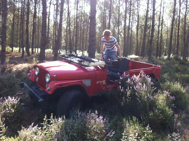 un cj6 en sarth Jeep_410