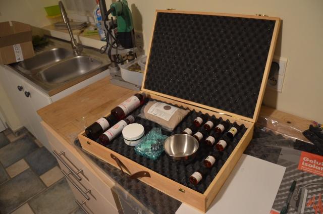 malette de rangement pour les préparations d'huile. Dsc_0022