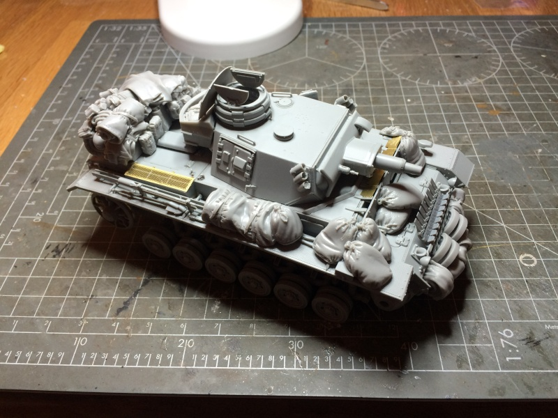 Panzer III ausf N + Accessoires Black dog [1/35 Dragon] -Terminé- Img_0246