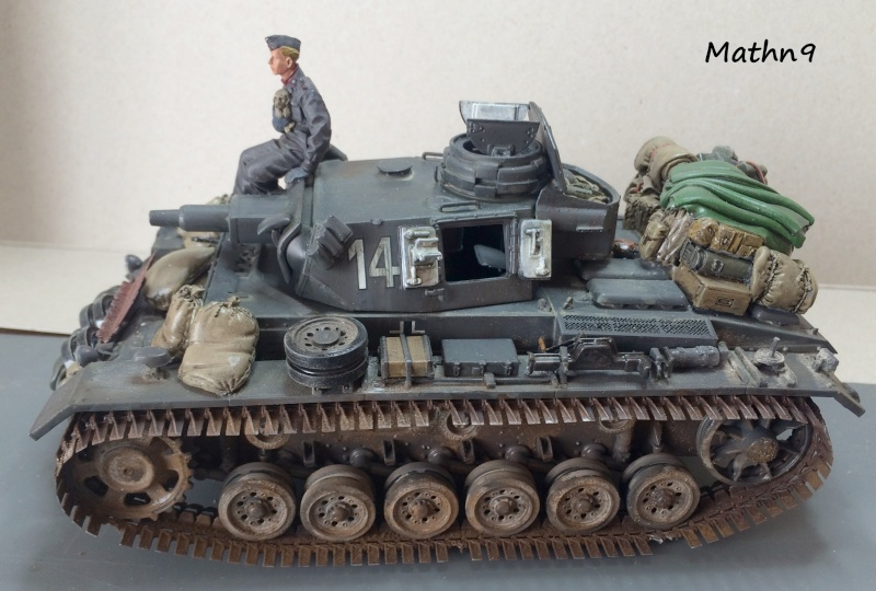 Panzer III ausf N + Accessoires Black dog [1/35 Dragon] -Terminé- Img_0315