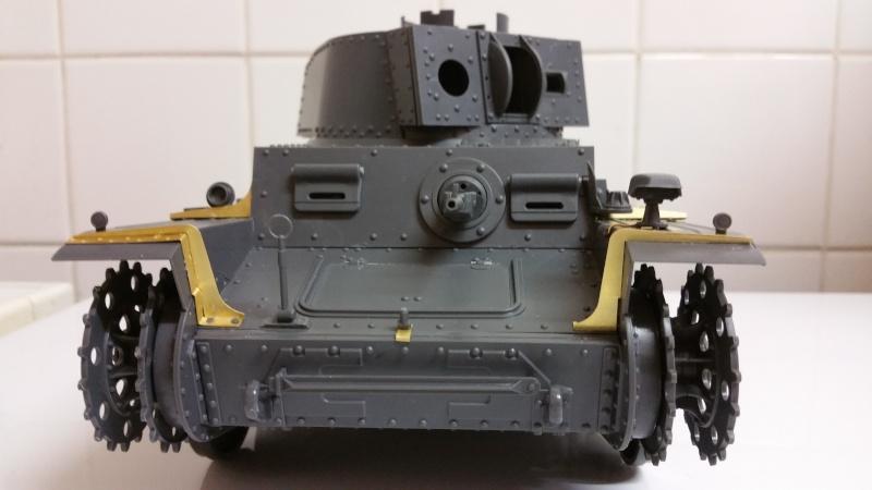 Panzer 38(T) Ausf.E/F - 1/16 - PANDA HOBBY. mise en boue  - Page 2 20151230