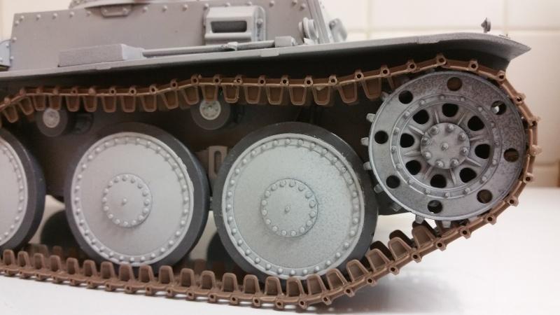 Panzer 38(T) Ausf.E/F - 1/16 - PANDA HOBBY. mise en boue  - Page 3 20160117