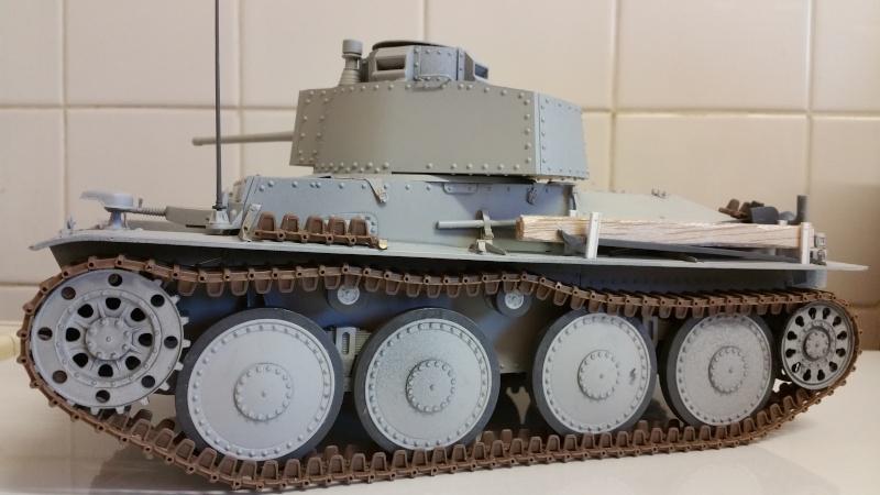 Panzer 38(T) Ausf.E/F - 1/16 - PANDA HOBBY. mise en boue  - Page 4 20160212