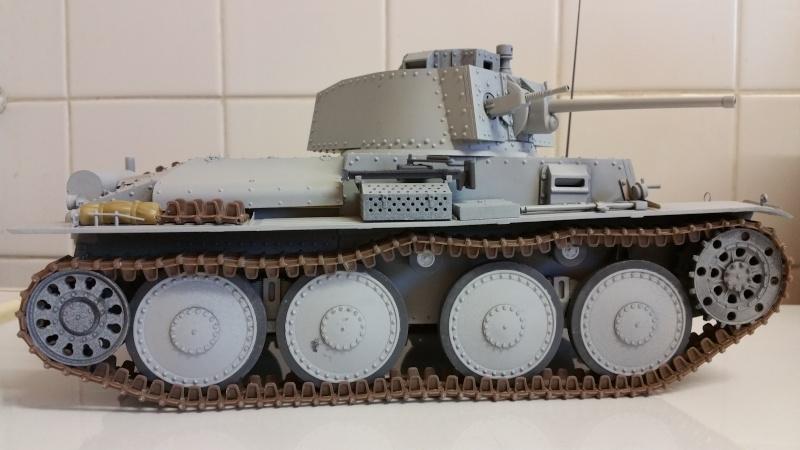 Panzer 38(T) Ausf.E/F - 1/16 - PANDA HOBBY. mise en boue  - Page 4 20160213