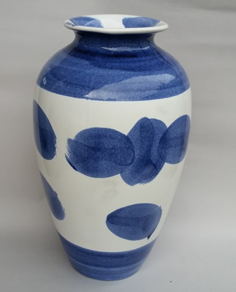 For gallery Christine Harris Majolica Blue vase Christ10