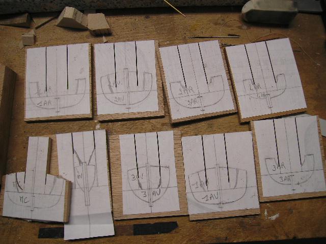 BISQUINE au 1/40 Kit Billing Boats modifié Xavero - Page 4 Canot_11