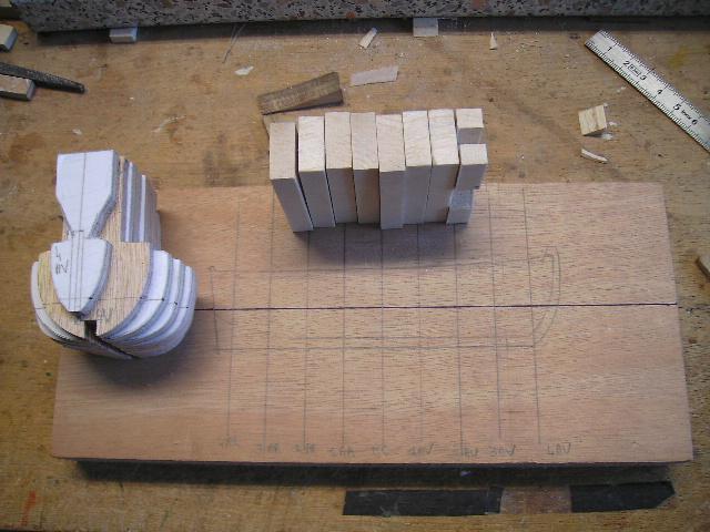 BISQUINE au 1/40 Kit Billing Boats modifié Xavero - Page 4 Canot_12
