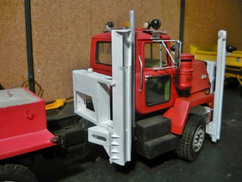 Mack RM 600 6X6 avec équipement a neige. - Page 3 P1140330