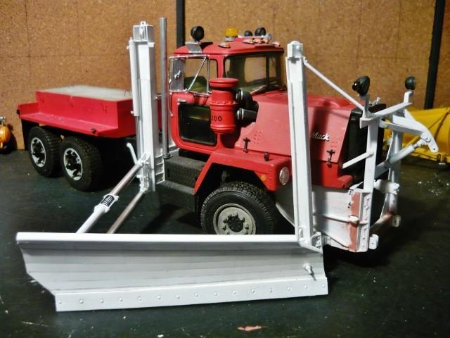 Mack RM 600 6X6 avec équipement a neige. - Page 3 P1140370