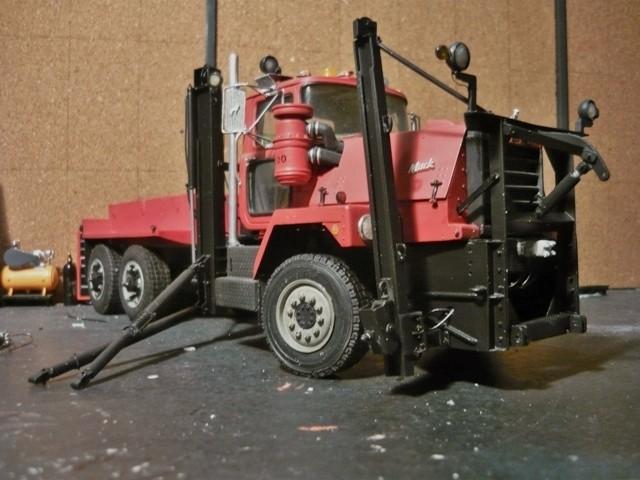 Mack RM 600 6X6 avec équipement a neige. - Page 3 P1140373