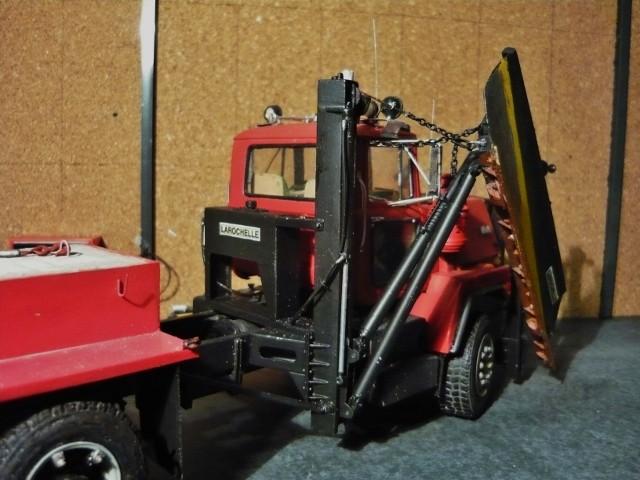Mack RM 600 6X6 avec équipement a neige. - Page 3 P1140380
