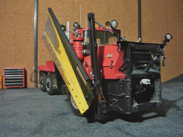 Mack RM 600 6X6 avec équipement a neige. - Page 3 P1140381