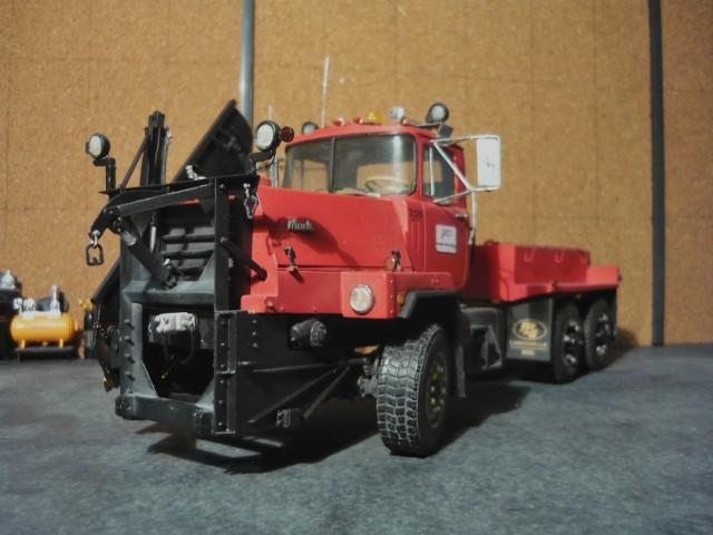 Mack RM 600 6X6 avec équipement a neige. - Page 3 P1140382